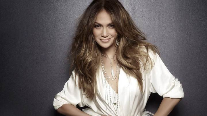 Jennifer Lopez Smiling In White Dress N Wearing Jewellery